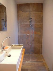 A bathroom at B&B ZomersBuiten