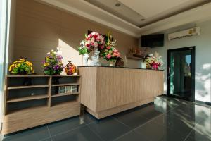 The lobby or reception area at Jinda Resort