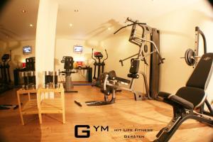 Das Fitnesscenter und/oder die Fitnesseinrichtungen in der Unterkunft Maxhotel