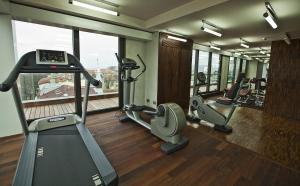The fitness center and/or fitness facilities at Graffit Gallery Design Hotel