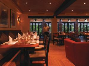 A restaurant or other place to eat at Sanctuary Lodge, A Belmond Hotel, Machu Picchu