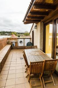Un balcón o terraza de Casa Rural Spa La Chirumba