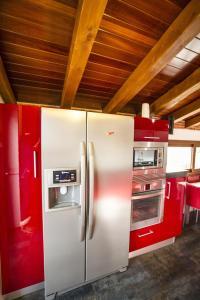 Una cocina o zona de cocina en Casa Rural Spa La Chirumba