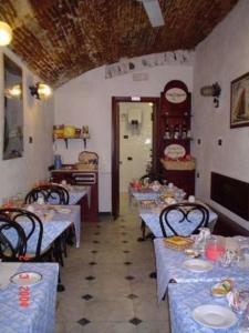 A restaurant or other place to eat at Locanda Ca Dei Duxi