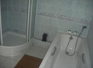 A bathroom at La Villa Florida