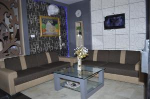 A seating area at Hotel Mittal Inn