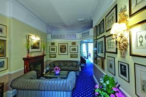 A seating area at Grange Blooms Hotel