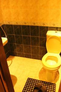 A bathroom at Arab Tower Hotel