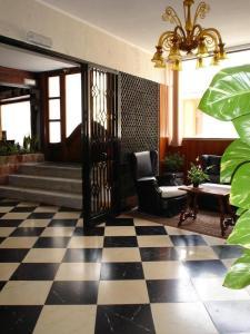 Lobbyn eller receptionsområdet på Hostal Cas Bombu