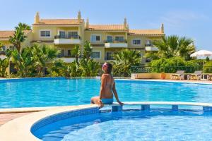 Het zwembad bij of vlak bij Presa De Moura