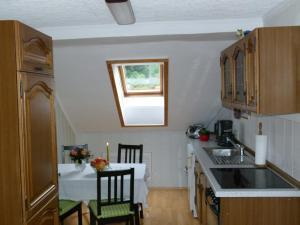 Küche/Küchenzeile in der Unterkunft Ferienwohnung Blick Kohlbornstein