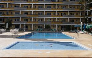 Het zwembad bij of vlak bij Apartamentos Los Tilos
