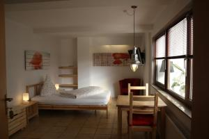 A bunk bed or bunk beds in a room at Hotel Anchovis