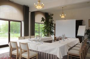 Een restaurant of ander eetgelegenheid bij Kasteel van Nieuwland