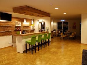Ein Restaurant oder anderes Speiselokal in der Unterkunft Hotel Eyberg