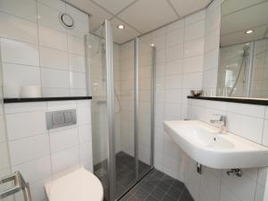 A bathroom at Eurohotel