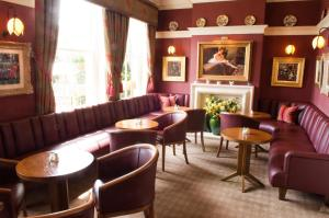 The lounge or bar area at Wentworth Hotel