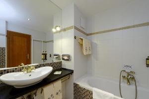 A bathroom at Hotel Solisko