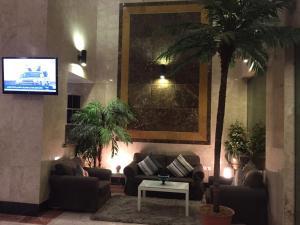 O saguão ou recepção de Biyutat Jeddah - Family only
