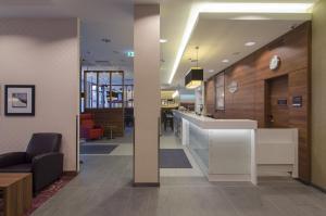 The lobby or reception area at Hampton by Hilton Nürnberg City Center