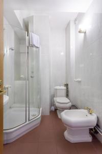 A bathroom at Kruazi on Kutuzovsky