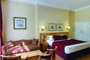 A seating area at Grange Buckingham Hotel