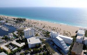 A bird's-eye view of B Ocean Resort