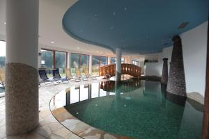 The swimming pool at or close to Hotel Belvedere Wellness & Family