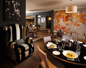A restaurant or other place to eat at Mercure Leicester The Grand Hotel