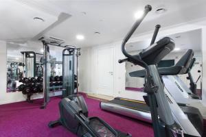 Фитнес-центр и/или тренажеры в Бизнес-Отель Континенталь