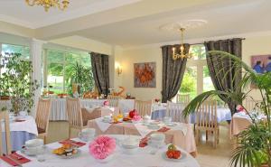 Restaurant ou autre lieu de restauration dans l'établissement Château de Bellefontaine