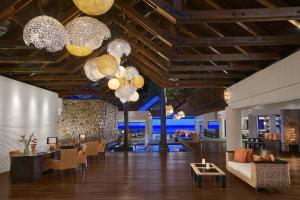 Ресторан / где поесть в Avani Barbarons Seychelles Resort