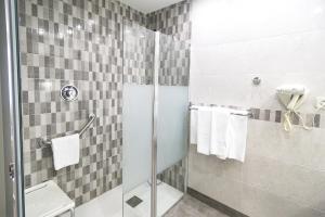 Un baño de Hotel Albret