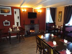 A restaurant or other place to eat at St. Cyrus Village Inn