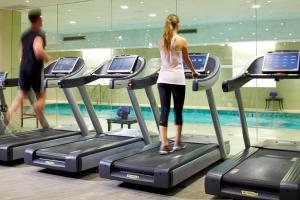 The fitness centre and/or fitness facilities at Trump International New York