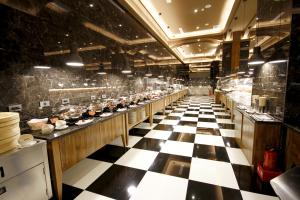 A restaurant or other place to eat at Kindness Hotel Hualien