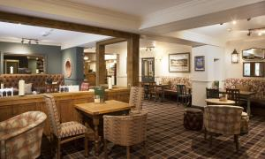 The lounge or bar area at Avon Causeway Hotel