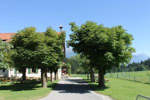 Ein Garten an der Unterkunft Landhotel Gasthof Eichhof Natters