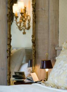 Hall o reception di Relais Bourgondisch Cruyce, A Luxe Worldwide Hotel
