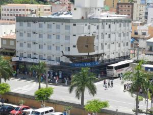 Uma vista aérea de Hotel Faenician