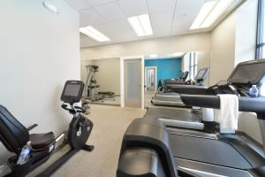 The fitness centre and/or fitness facilities at Pavilion Grand Executive Apartments