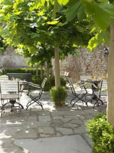 A porch or other outdoor area at Boutique hotel Sint Jacob