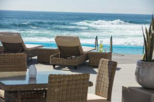 The swimming pool at or near Gavina Sens Iquique