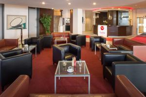 A restaurant or other place to eat at Michel Hotel Landshut