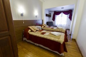 A bed or beds in a room at Bed and Breakfast Aijpel