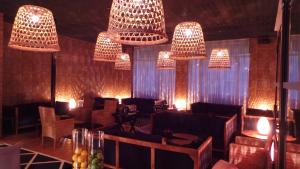 The lounge or bar area at Le Nouvel Hôtel