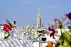 Nespecifikovaný výhled na destinaci Vídeň nebo výhled na město při pohledu z hotelu