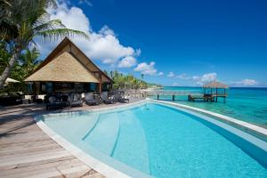 A piscina localizada em Maitai Rangiroa ou nos arredores