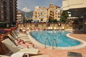 Het zwembad bij of vlak bij Sunpark Aramis Hotel