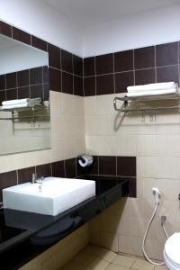 A bathroom at Bangkok 68